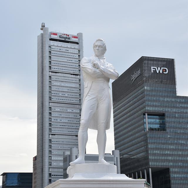 Pose A Statue Very Nice