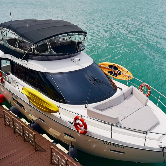 Yacht Tour - Best Value Premium Yacht (Sealine F42)
